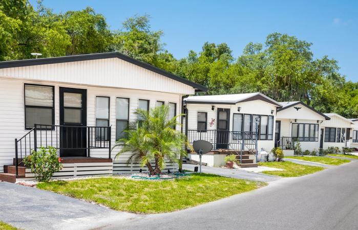 248760-699x450-senior-mobile-home-park-guide